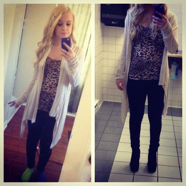 Mirror Selfies With Flash   Lib MP3   woman's bathroom ...