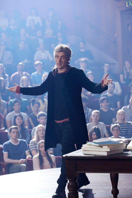 I love that scene he makes a great teacher :)