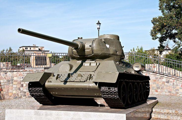 SKOTIA Photography - Through The Lens: Wejherowski czołg-pomnik T-34/85