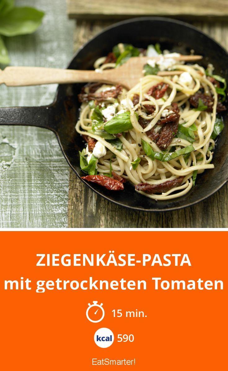 Ziegenkäse-Pasta - mit getrockneten Tomaten - smarter - Kalorien: 590 Kcal - Zeit: 15 Min.   eatsmarter.de