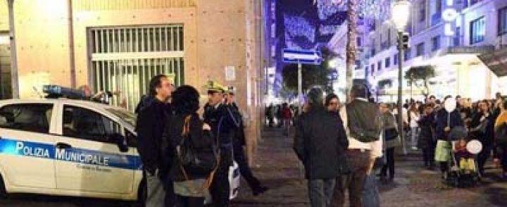 Luci d'artista a Salerno, puniti i commercianti che non rispettano le regole