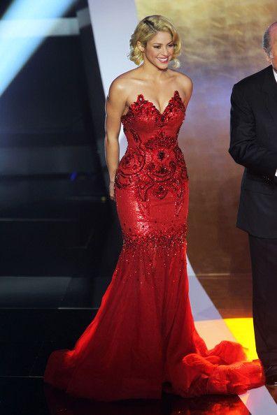 Shakira - Shakira Glams Up For Golden Ball FIFA Gala