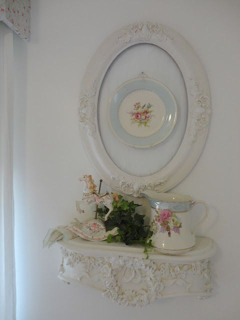 shabby picture frames | Found on sweetmelanie.blogspot.com