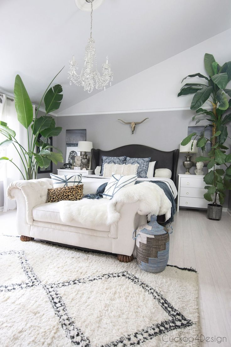 Tips For Decorating Your Bedroom On A Budget Cuckoo4design Bedroom Decorating Tips Apartment Decorating On A Budget Home Decor Bedroom