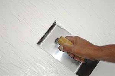 Como fazer grafiato na parede. Se alguma parede de sua casa está precisando de uma pintura nova ou se pretende reformar algum cômodo, temos uma ideia muito interessante para si. O grafiato é uma textura que vai fazer com que a sua ...