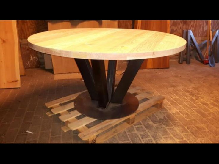 Bok meubel & design round table steel frame