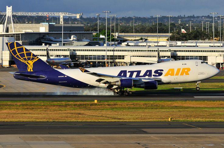 Atlas Air B747-400F N492MC