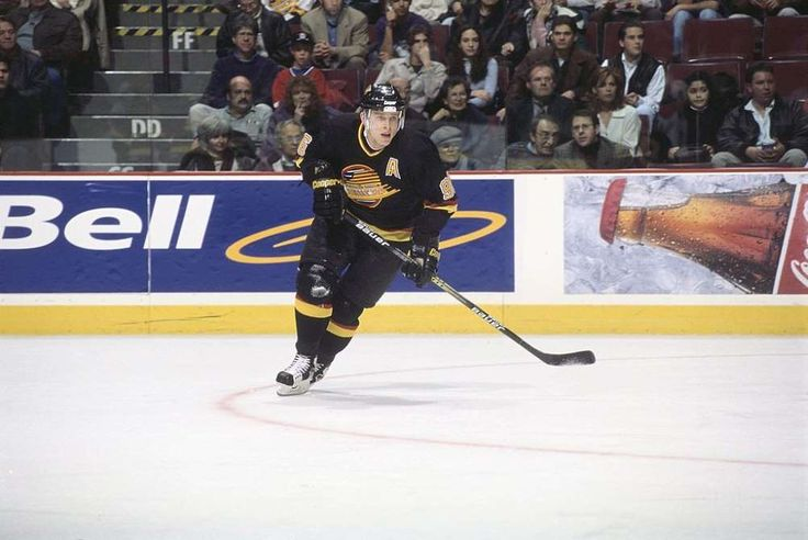 25 NHL legends who never won the Stanley Cup  -  March 7, 2017:     PAVEL BURE:    Hall of Famer Pavel Bure spent 12 seasons in the NHL, earned the Calder Memorial Trophy, led the NHL in goals three times, was a regular on All-Star teams and is ranked fifth all time in goals per game (just ahead of fellow Russian countryman Alex Ovechkin), but never won the Stanley Cup. In fact, of the five times he made the playoffs, four came in the first four years of his NHL career.   MORE...