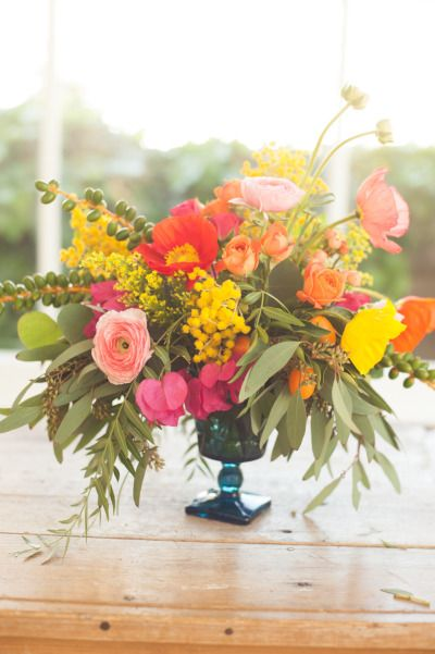 Summer Sunset Centerpiece: http://www.stylemepretty.com/living/2015/05/09/17-fabulous-diy-flower-arrangements/