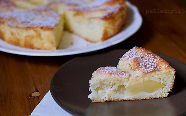 Torta di mele affondate con impasto alla ricotta | Ricetta facile e golosa