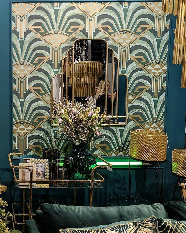 Pin By Carmen On Home Decor Jewel Tones Interior Design Jewel Tone Colors Jewel Tone Decor