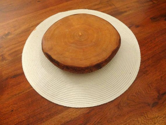 This is made from single piece of wood cheese platter  Tree was cut be me its oak.  Color is your choice it can be oak, palisander , teak or plain no color just oiled  Size Diameter 21cm
