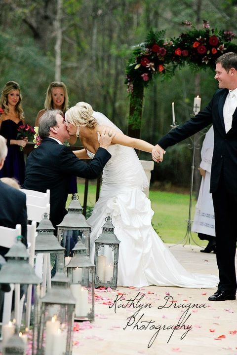 Bride stopped to kiss her daddy on her way out of the ceremony... This will be me one day! So sweet. DOINGGG THIS :) :)