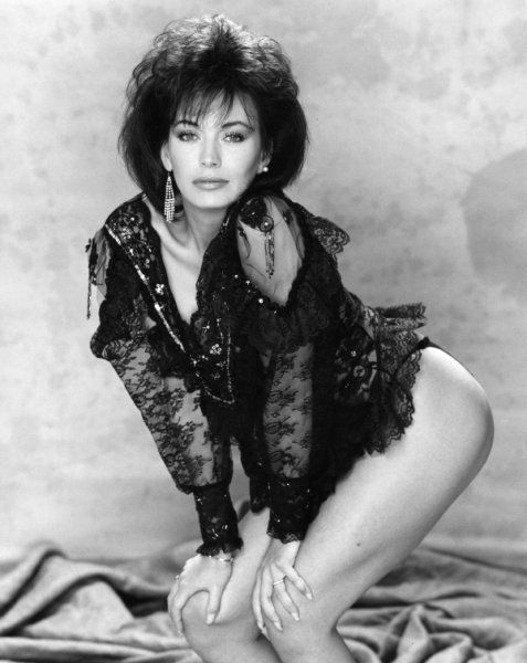 Lesley Anne Down Nude Pics 13