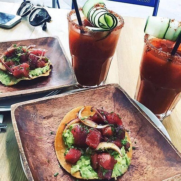 Tostadas de atún y Bloody Marys estilo @costapacificobcn ¡SABOR! ;)  (Foto: @juliettaltuzarra )