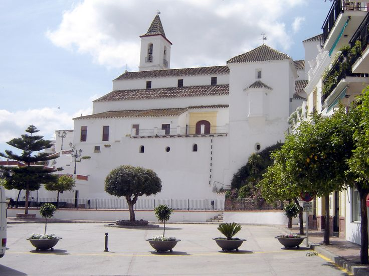 Casarabonela - Iglesia de Santiago Apóstle ***photo by Robert Bovington***  An attractive church - the Iglesia de Santiago Apóstle is located in the main plaza. It has some interesting crypts and a museum of silver and religious artifacts.  *** http://bovington-posts.blogspot.com.es