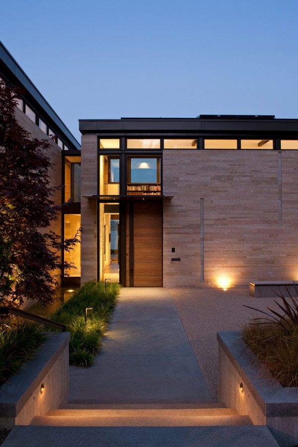 H-Shaped Modern Home Set On a Bluff Overlooking Lake Washington