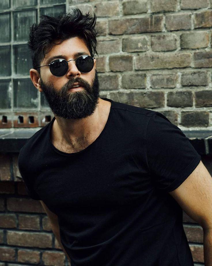 Nuevo video en mi #youtube, Link in bio - hoy les quito el taboo y secretos sobre como dejarse la barba, cuál es el problema más grande que encuentras cuando te dejas crecer la barba ? Nos vemos allí 🙌 . #barba #beard #barbudo #tutorial #fracrox #style