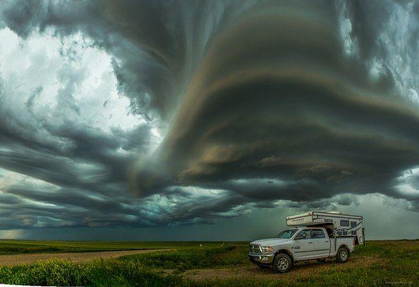 Мы в этом мире только гости. Во время бури в Южной Дакоте. Страшно там было, наверное... Фото: Randy Halverson