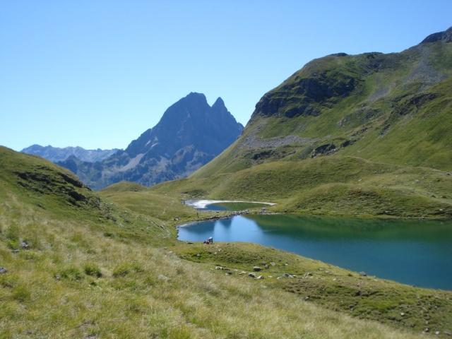 Pic du Midi d'Ossau et Lac d'Aule