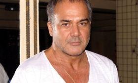 Ευαγγελόπουλος: Κάθε Τρίτη έχουμε λαϊκή αγορά στο σημείο όπου είναι το γύρισμά μας και αγοράζουμε..   Ο Παύλος Ευαγγελόπουλος σε συνέντευξή του αναφέρθηκε στη σειρά Έλα στη θέση μου και στους συνεργάτες του.  from Ροή http://ift.tt/2pgB0Jq Ροή