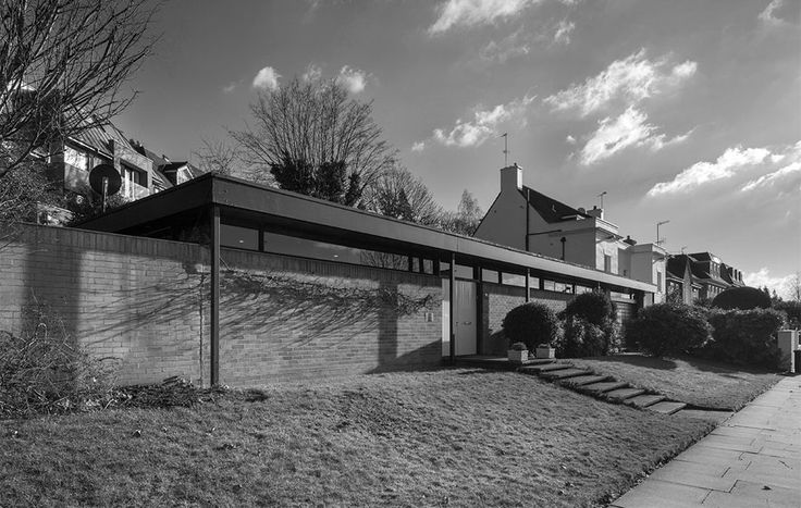 West Heath Road, The Manser Practice #house #steel #bungalow #balance #modern  #elegant #minimal #classic #british #hampstead #london #family #home