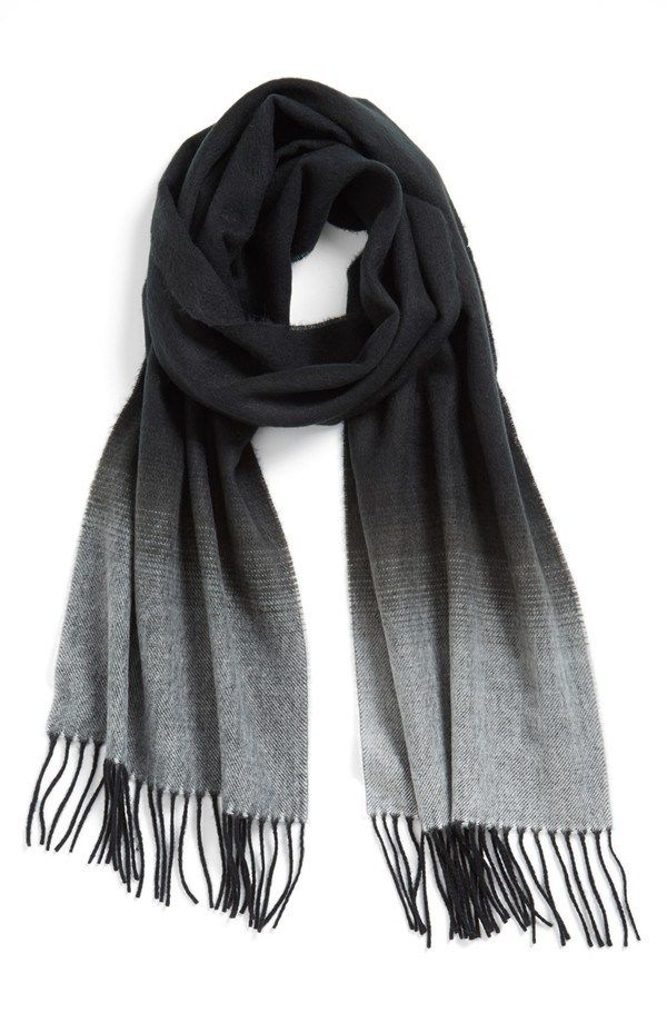 A simple winter scarf for men.