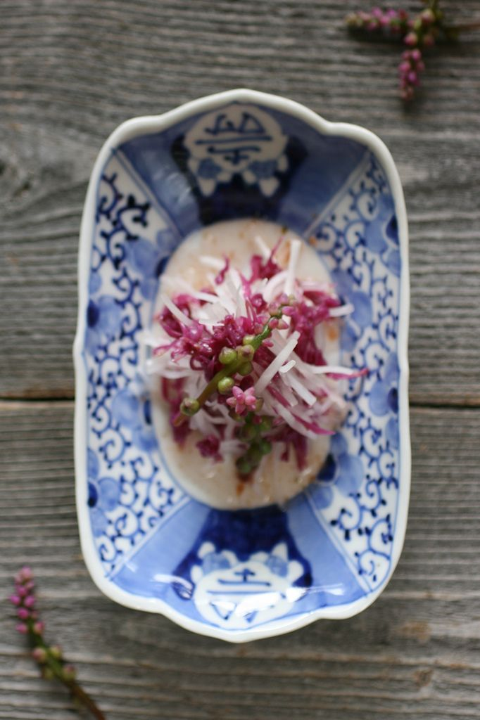 Edible Flower Salad: Kakinomoto (a kind of chrysanthemum), tsurumurasaki (basella alba), Japanese radish, ume dressing