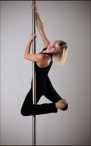 back hook spin pole dance spins spiny pinterest hooks search and spin. Black Bedroom Furniture Sets. Home Design Ideas
