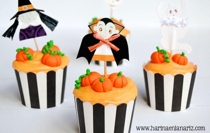 cupcakes de calabaza con topper de vampiro