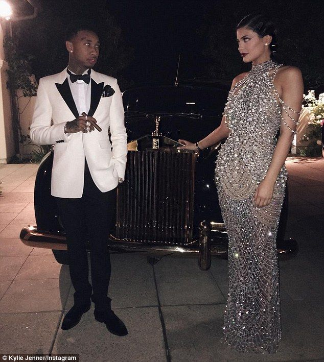 The Kardashians take it back to the 1920s for Kris Jenner's $2m Great Gatsby themed 60th birthday bash | Daily Mail Online