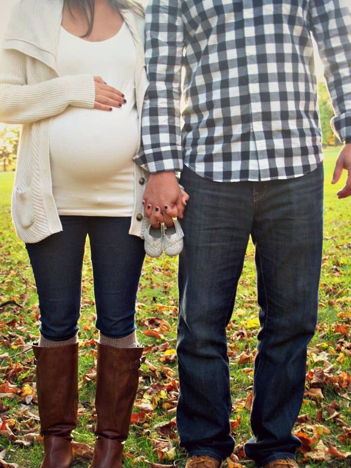 Fall maternity photos //
