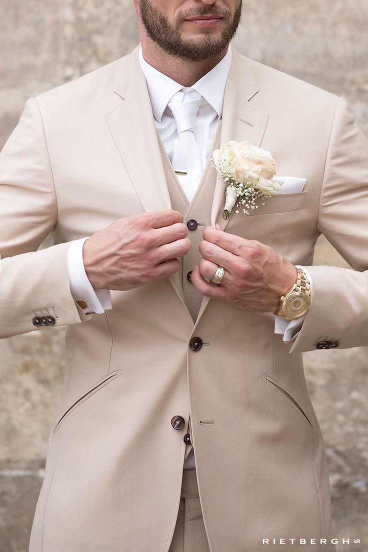 Beige wedding suit - Beige trouwpak op maat - beige trouwpakken - beige maatpak - driedelig trouwpak op maat - Rietbergh - suits - suit - menswear