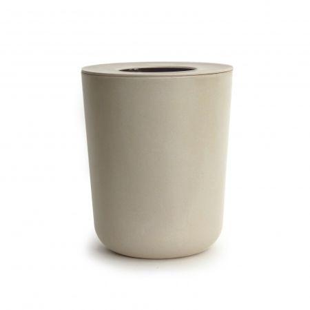 Les 25 meilleures id es concernant poubelle salle de bain for Poubelle de salle de bain bambou