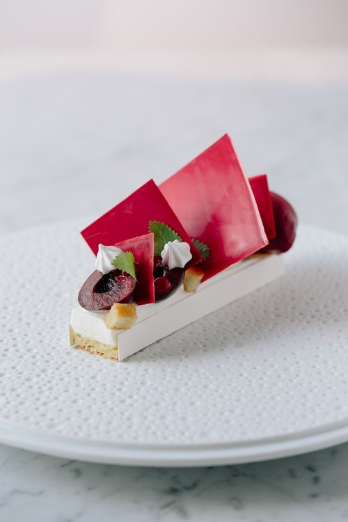 Frank Haasnoot : Dutch pastry chef - plated desserts                                                                                                                                                      More