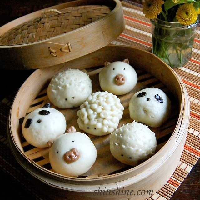 It's cloudy outside, but I hope these adorable mini buns brighten up your day! Tips on steamed buns along with how to add colors with natural ingredients on the blog. I'll move on from steamed buns now.  #steamedbuns #찐빵 #winter