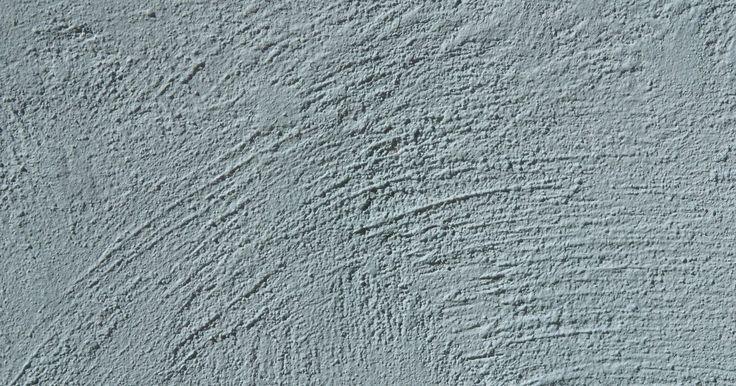 Cómo disolver concreto con ácidos. El hormigón es un material de construcción duradero que tiene materiales especiales para disolver una vez que se endurece en su lugar. El ácido fosfórico y el fosfato trisódico son los principales compuestos utilizados para disolver los restos de hormigón a partir de los trabajos de albañilería. A veces, eso no funciona. Si ese es el caso, usa ...
