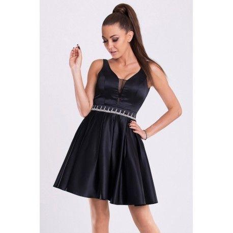 Taşlarla süslenmiş prenses model siyah elbise #elbise #siyahelbise #elbisemodelleri #eva-lola