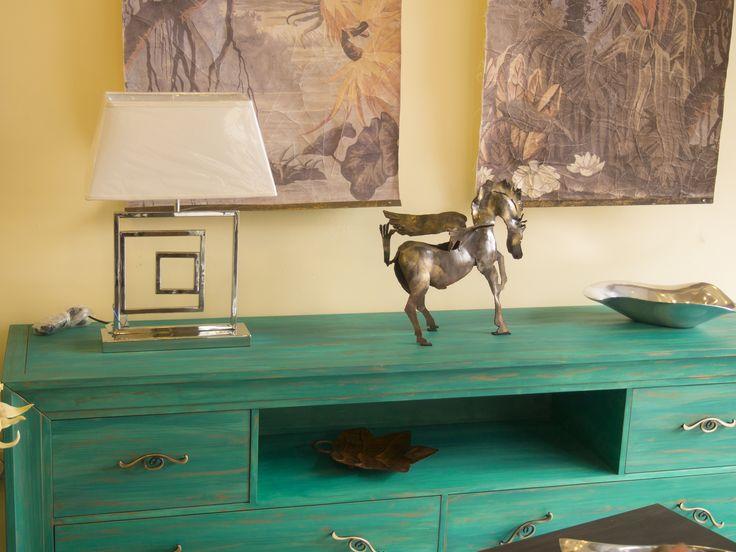 Mueble tv pintado a mano color verde esmeralda patinado - Mueble pintado a mano ...