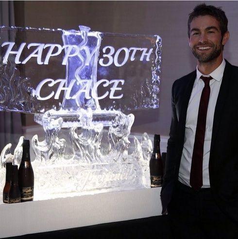 【ELLEgirl】チェイス・クロフォードが30歳の誕生日を恋人&元共演者とお祝い|エル・ガール・オンライン