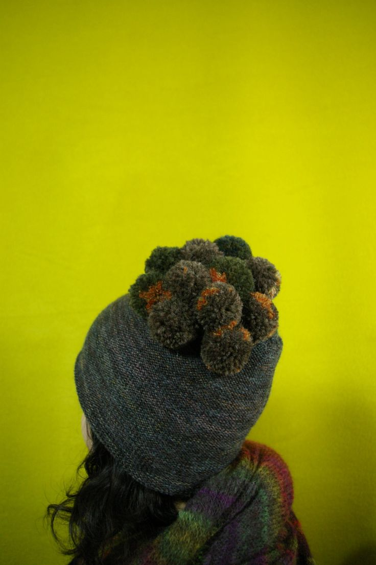 T.M.P beanie. (too much pompom)