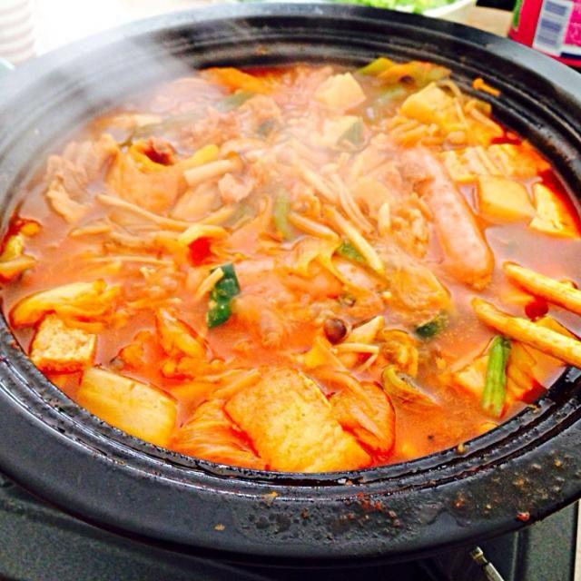 仕上げに焼きそば麺いれたら激ウマでした♡ - 7件のもぐもぐ - キムチ鍋 by sugargirlinfo