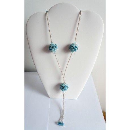 Sautoir turquoise et bleu réalisé avec des perles tissées et des rocailles