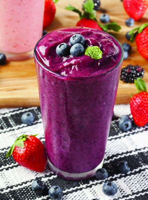 Berry Power Smoothie for Inflammation #healthydrinks #smoothies https://www.booyafitness.com/