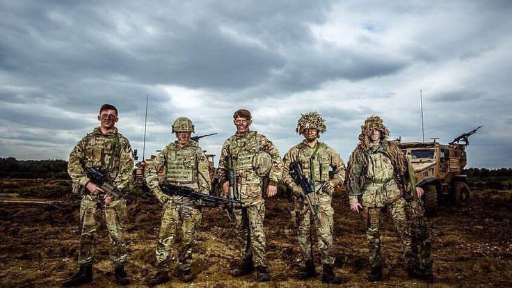 Have you left the Army in the past 10 years as a LSgt or Cpl? Have you thought about rejoining? If you rejoin and do a minimum of 2 years of service you receive a £10,000 bonus! Contact us for more info  #easymoney #britisharmy #bonus #Army #Green #fatstacks #GrenadierGuards #London