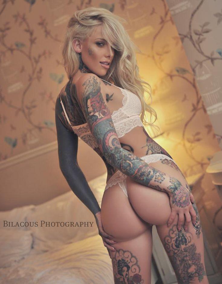 naked tattooed pin up