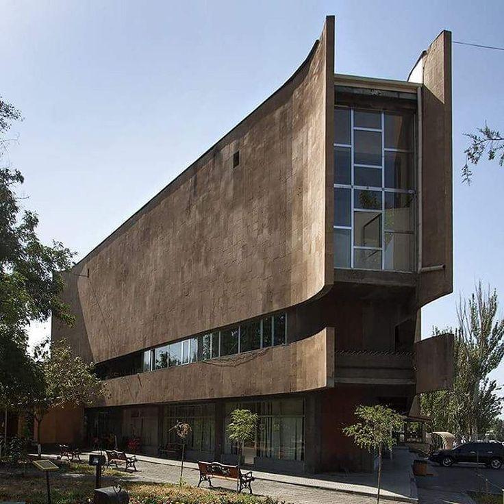 Shaul kuba building malibu house