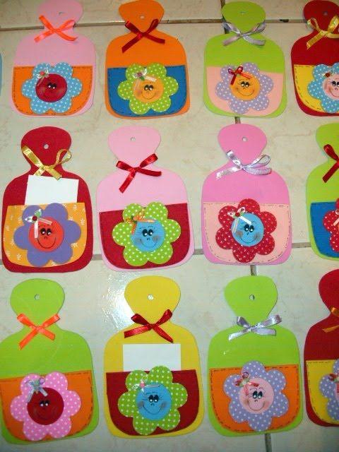 Imanes porta recados para el día de la madre Les proponemos estos lindos imanes porta recados en goma eva para regalar el día de la madre. Un lindo y origi