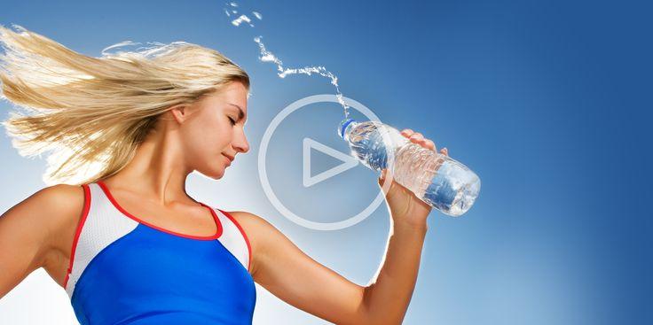 ВИДЕО: Как спастись от жары - http://lifehacker.ru/2015/05/22/video-kak-spastis-ot-zhary/
