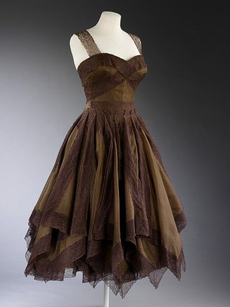 Evening dress | Jean Desses - 1954 - Look at that gorgeous bodice.